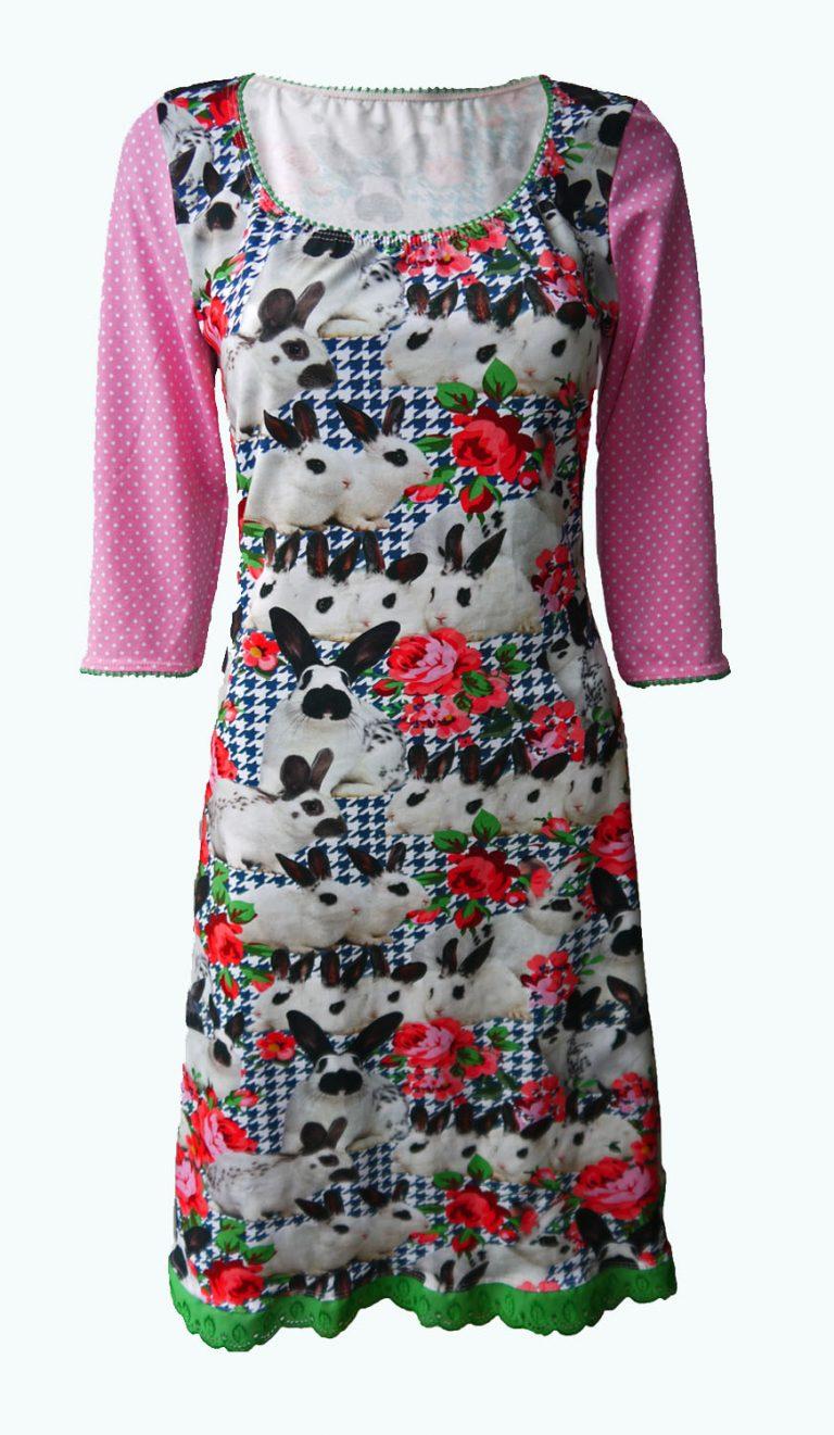 jurk met konijnen en rozen. Elizz